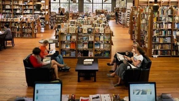 Kinh nghiệm mở hiệu sách thu hút khách, hiệu quả cao